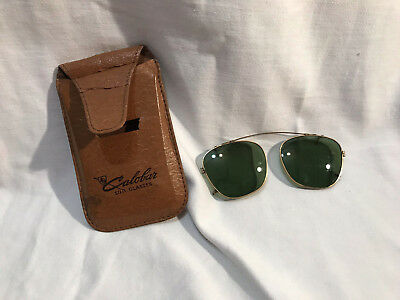 Vintage CALOBAR Green Lens Aviator Clip On Sunglasses C11-46 with Leather Case