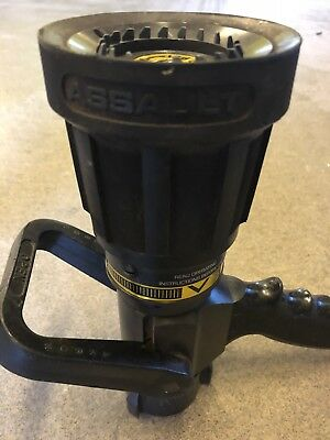 Akron Assault Nozzle Automatic 100 Psi Max 150 Gpm  1-1/2""
