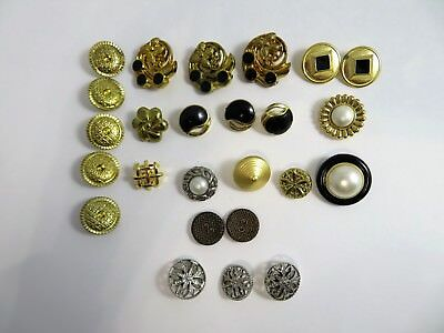 Mixed Lot of 25 Fancy Vintage Buttons Gold Tone Silver Tone Plastic & Metal