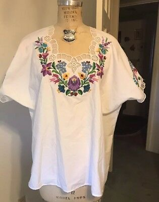 Vintage Hungarian Kalocsa Hand Embroidered Top, Plus Size