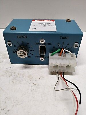 Honeywell Micro Switch FE-TR5-14 Photoelectric Control TR Logic Module