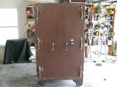 LARGE! Antique Double Door Herring Hall Marvin Safe - Nice Gun Safe !! $ lowered