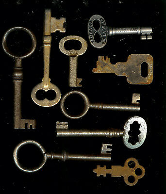 Antique old vintage Metal Skeleton Keys Padlock Door Lock Flat Key non Brass lot