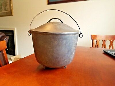 Extremely Rare Antique Cahill Cast Iron Regular Footed Kettle Bean Pot # 8