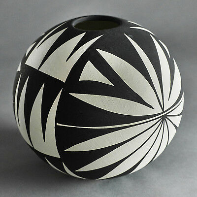 BLACK AND WHITE ACOMA SEED POT BY DOROTHY TORIVIO 1970's POTTERY