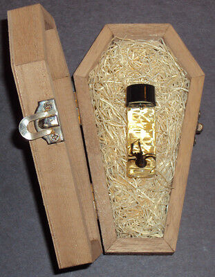 Real Female Black Widow Spider in a Wooden Coffin!