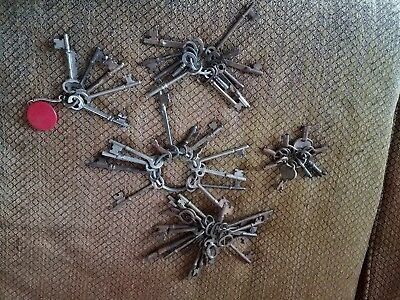 Skeleton Key Lot Antique Original 50 Plus Barrel Keys Lock Vintage Steampunk old