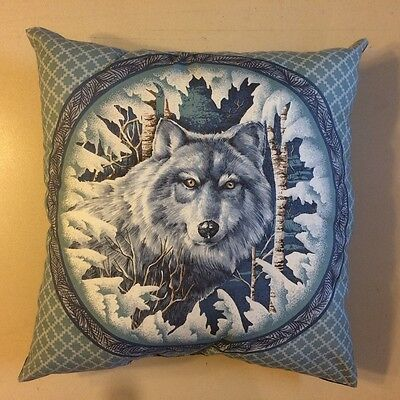 Beautiful New 15 X 15 Artic White Wolf On Complete Wildlife Animal Theme Pillow