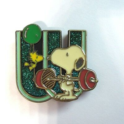 Vintage Peanuts Gang SNOOPY & WOODSTOCK Letter W Plastic Initial Pin
