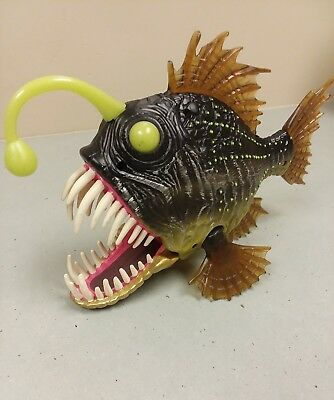 Large Angler Fish Action Figure by Toys R Us. Mouth Snaps Shut & Fin Moves!