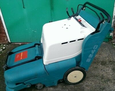 Tennant Floor Buffer 3640 - No Batteries - Tested and Fully Functioning 136Hrs