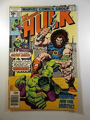 """The Incredible Hulk #211 """"The Monster and the Mystic!"""" VG Condition!!"""