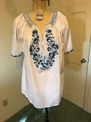 Vintage Hungarian Hand Embroidered Folk Floral Blouse, Size L