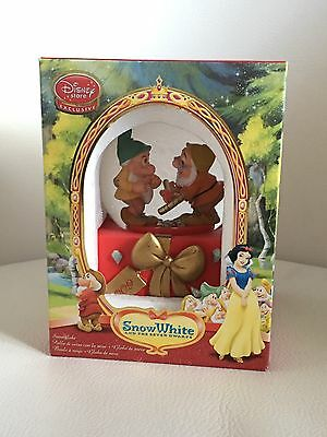 Disney Store 2009 Snow White Snow Globe New Collectors Memorabilia