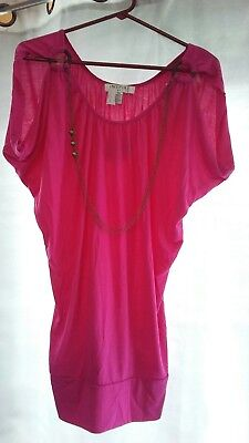 inspire maternity shirt medium pink with attached necklace
