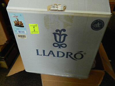 Lladro #1454 Flowers of all Seasons with origional box lots of pics