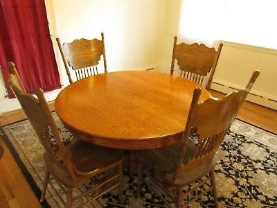 ANTIQUE OAK ROUND PEDESTAL DINING TABLE with CLAW FEET & LEAF