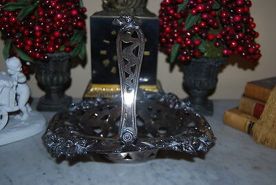 Usa Meriden Art Nouveau Silver Plate Flower Decorated Brides Basket Centerpiece