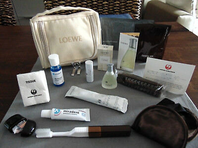JAPAN AIRLINES JAL First Class LOEWE Amenity Kit Trousse Neceser Kulturbeutel