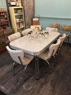 Vintage Mid Century Early 60s Kitchen Table With 6 Chairs And Leaf