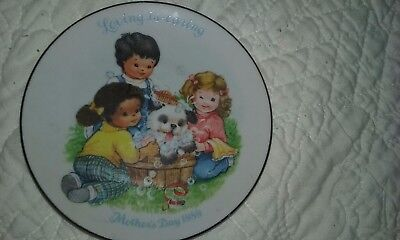 Loving Is Caring 1989 Avon Collectible 5 Inch Plate