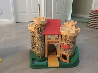 vintage fisher price little people castle mid 70s amazing condition