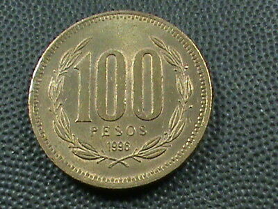 CHILE    100 Pesos    1996  ALMOST  UNC   $ 2.99  maximum  shipping  in  USA
