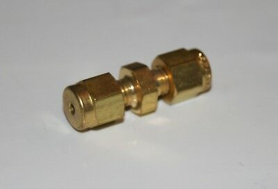 "1/16"" OD Tube Brass Union Fitting Swagelok B-100-6"