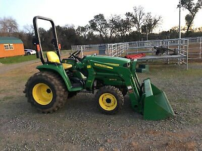 2014 John Deere Tractor 3032E Excellent Condition, Low Hours, 4WD, PTO