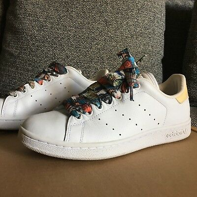 Adidas Stan Smith End to End Originals MENS US8 White / Graffiti lace
