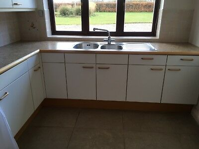 WHITE POGGENPOHL KITCHEN Units and coloured worksurface  V Good Condition   Used