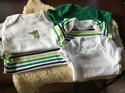 pack of 5 baby boys bodysuits 0/3 months