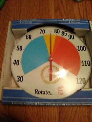 1980s jumbo dial round advertising thermometer 7 up. excellent condition for age
