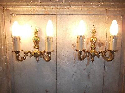 French a pair of classic detailed vintage wall light bronze gold patina