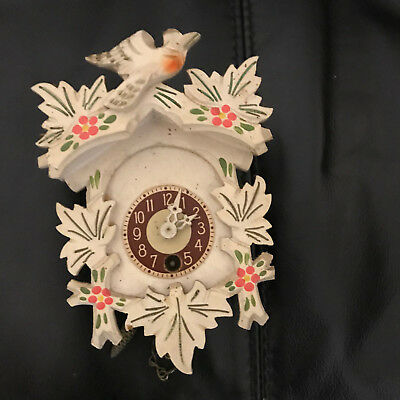 "Vintage Small cuckoo clock - no key - approx 5.75"" tall"