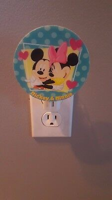 Disney Mickey Mouse & Minnie Mouse Love Hearts Night Light