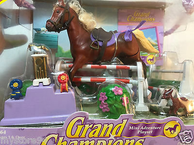 Grand Champions Horses Mini Adventure Play Set # 50064  With Magic Mini Hores