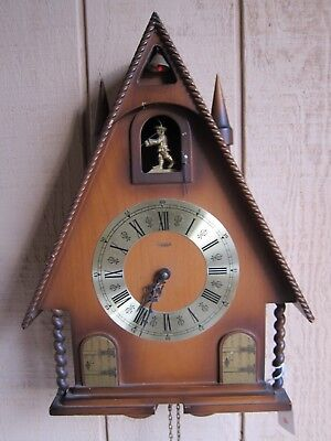 Vtg LINDEN -GERMANY 8 days CUCKOO CLOCK FOR PARTS/REPAIR