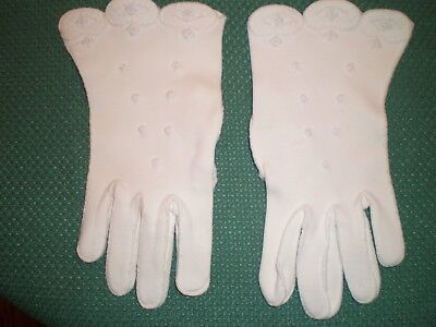Vintage Woman's white Dress Gloves  with flowers