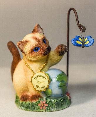Calico Kittens: Discover Your World - 683019 - Cat Swattting Butterfly Miniature