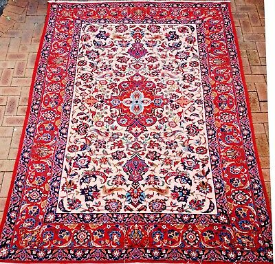 Persian Isfahan Authentic Hand-Knotted Rug (215 cm x 293 cm)
