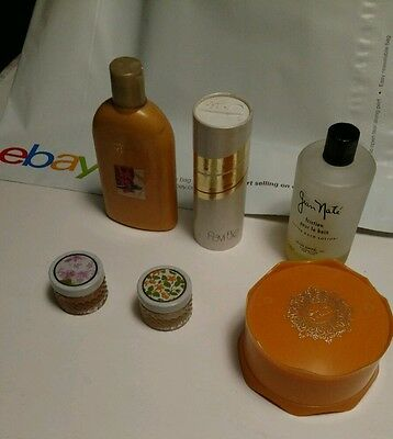 A lot of ladies powder, lotion and perfume vintage