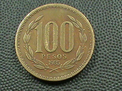 CHILE   100 Pesos   1985   ,   $ 2.99  maximum  shipping  in  USA