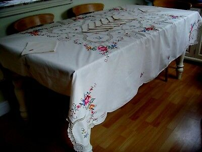 Beautiful Vintage Unused Large Hand Embroidered Tablecloth & 8 Napkins Lace