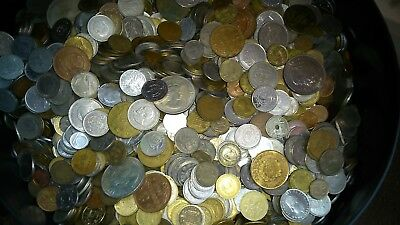 Bulk lot of world coins. Various years. You can choose the amount.
