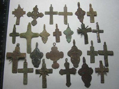 Metal detector finds.Mix lot   ancient crosses  161 pieces. N13