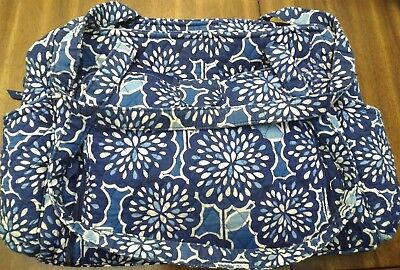 BLUE & WHITE VERA BRADLEY STROLL AROUND BABY BAG Diaper bag w/ CHANGING PAD.