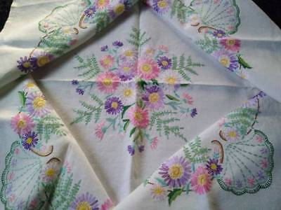 Gorgeous Mixed Daisies & Fern ~ Vintage Hand Embroidered Tablecloth
