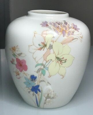 "Japanese Vintage Vase Oriental Flowers 5"" Floral Lillies Pottery Made in Japan"