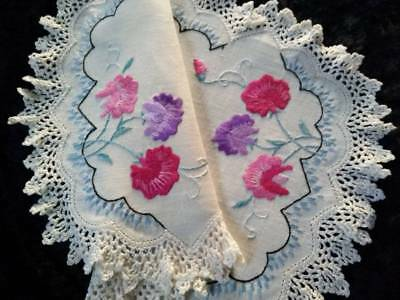 Gorgeous Pink/purple Sweetpeas ~ Vintage Hand embroidered Centrepiece